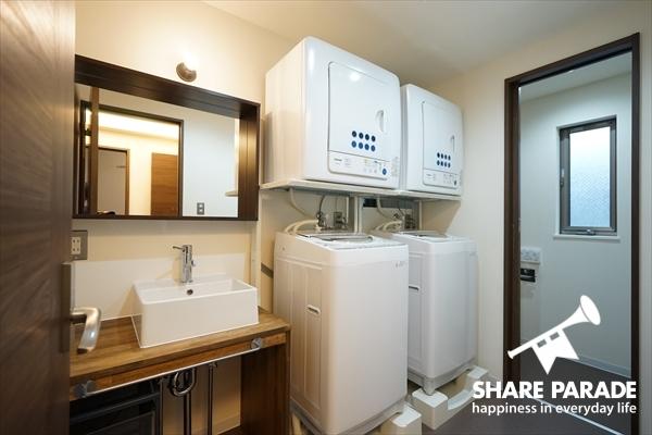 洗濯機の他、乾燥機もあります。