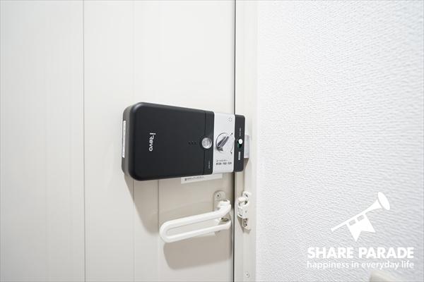玄関はオートロックです。安心・安心♪
