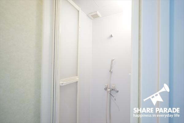 共用のシャワーブースが1つ。