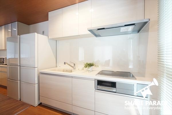 システムキッチンが2つあります。料理をたっぷり楽しめそうです。