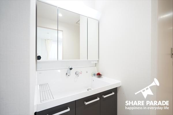 洗面は各フロアにあって便利です。