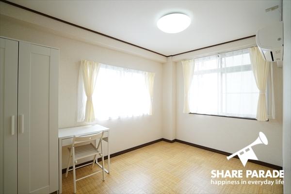 2面採光の明るいお部屋です。