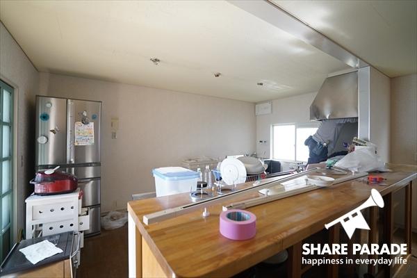 ゆったりサイズのカウンターキッチンです。※工事中。