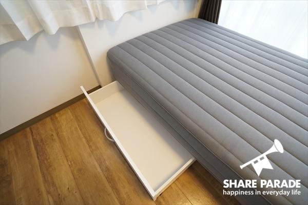 ベッド下収納もあります。