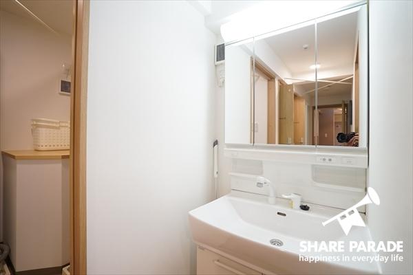 洗面は、各フロアにあります。