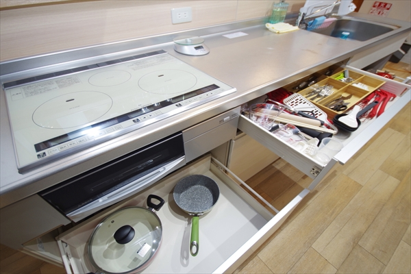 調理器具も充実。