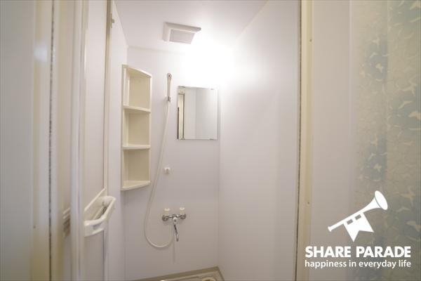 シャワーブースも2つあります。