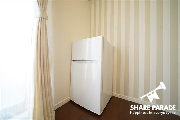 2階のお部屋は冷蔵庫が完備されています。