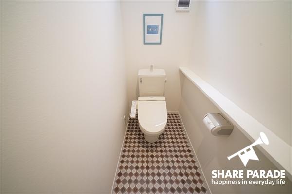 トイレは各フロアにあります。