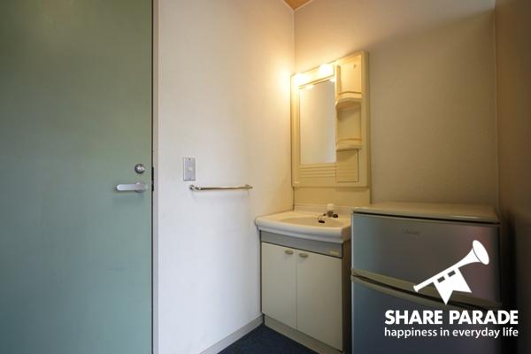 各部屋に、洗面台と冷蔵庫が完備。