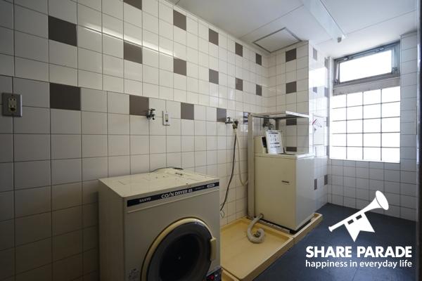 各階に、洗濯機・乾燥機。