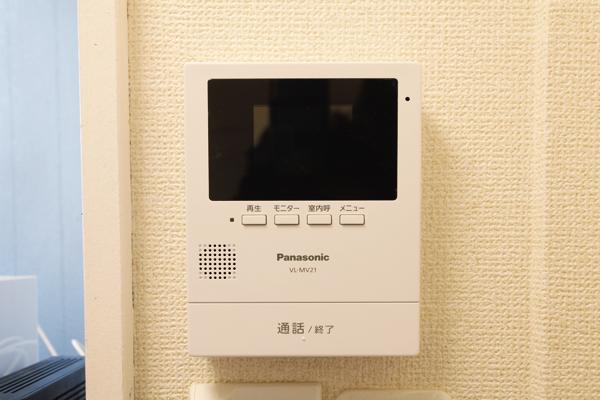 顔の見えるインターフォンでセキュリティも安心。