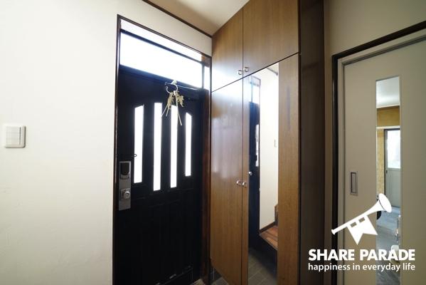 キーレックスの玄関と大型シューズボックス