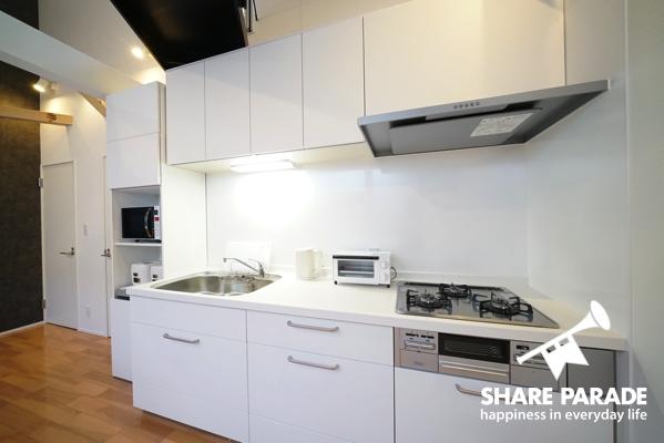 キッチンは清潔で使いやすいつくり。
