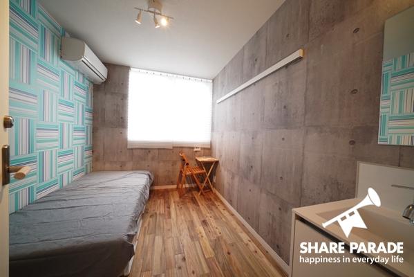 壁紙が1部屋1部屋違ってどれもおしゃれです。