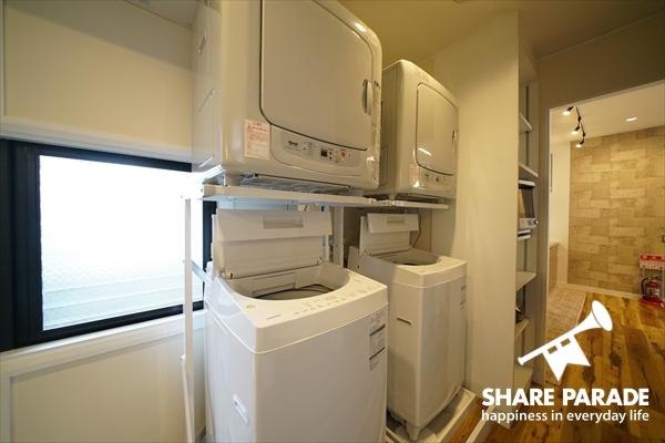 洗濯機と乾燥機です。