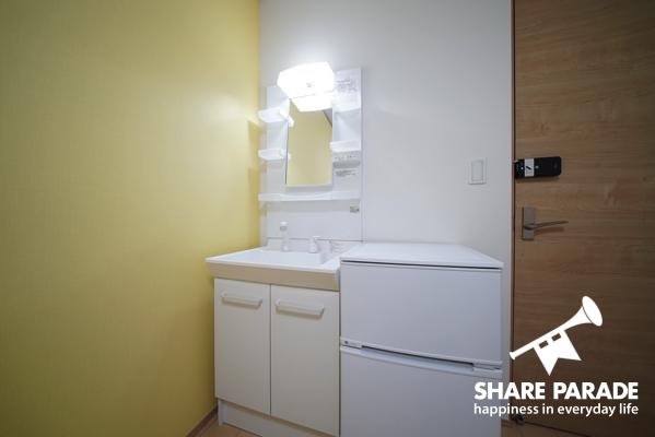 お部屋に洗面台が付いているのでとても便利です。