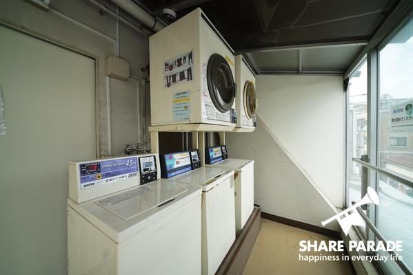 洗濯機、乾燥機があります。