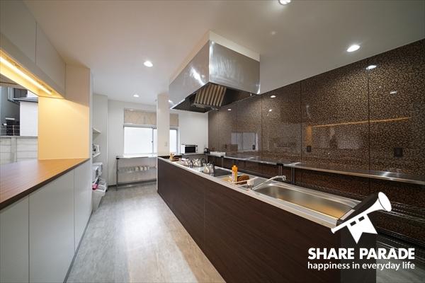 大型のキッチンです。