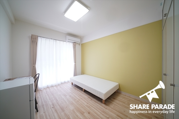 1階の壁紙の色です。