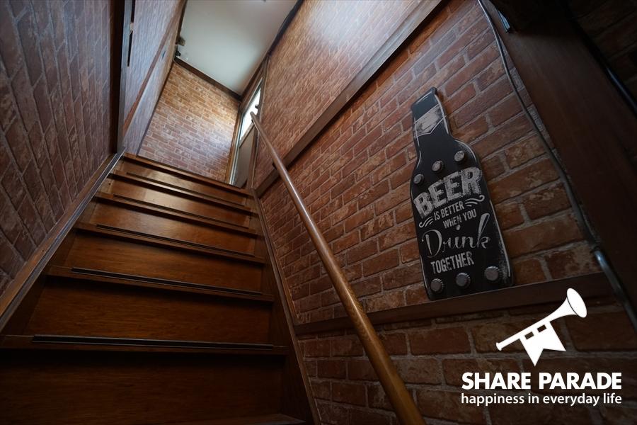 屋上への階段です。