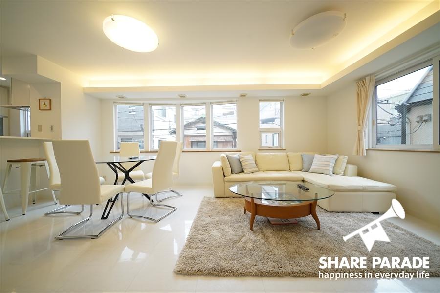 白を基調としたデザイナーズ空間。