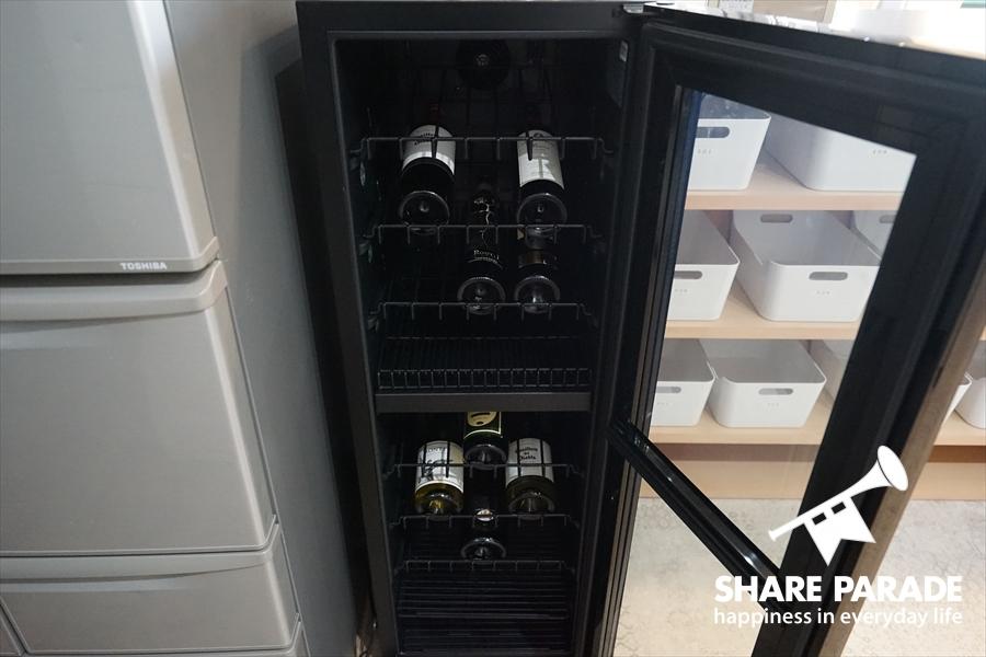 ワインセラー完備。毎月12本ワインが無料で追加されます。