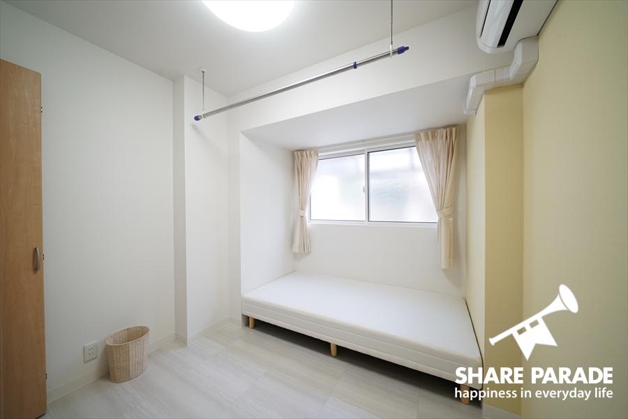 101号室。一番コンパクトなお部屋にあります。