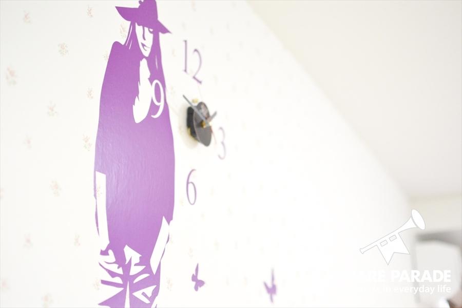 時計とマッチした壁紙です