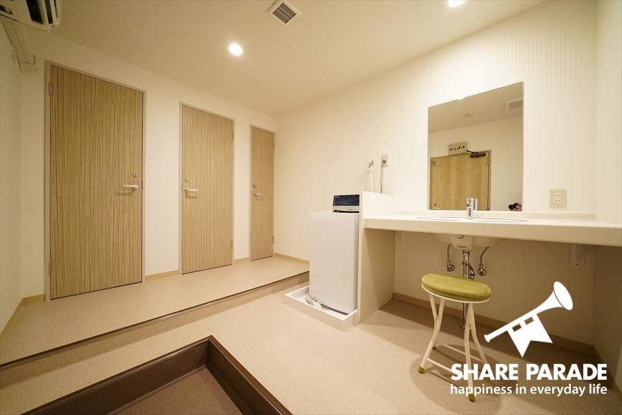 こちらは女性専用のシャワールームです。