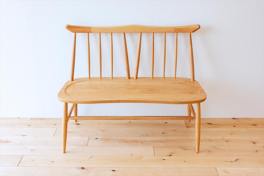 かわいらしい家具。