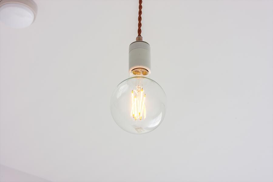 照明もシンプルでかわいい。