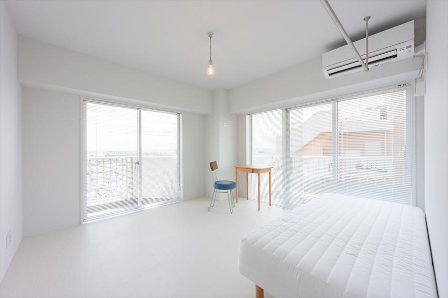 2面採光で開放感のあるお部屋。