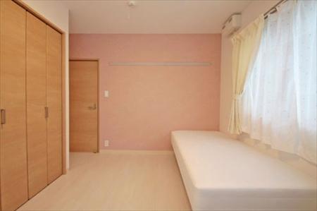 302号室です