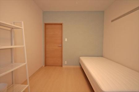 203号室です