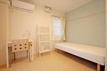 206号室です