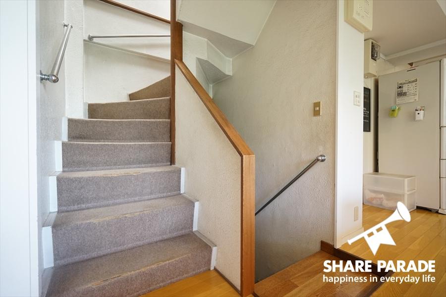 共有の階段の様子です