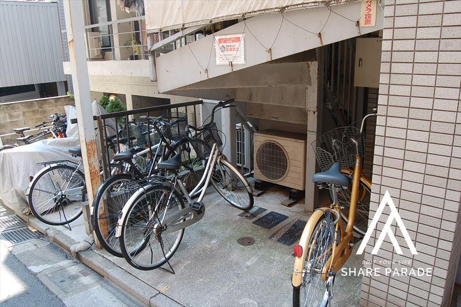自転車置き場があります