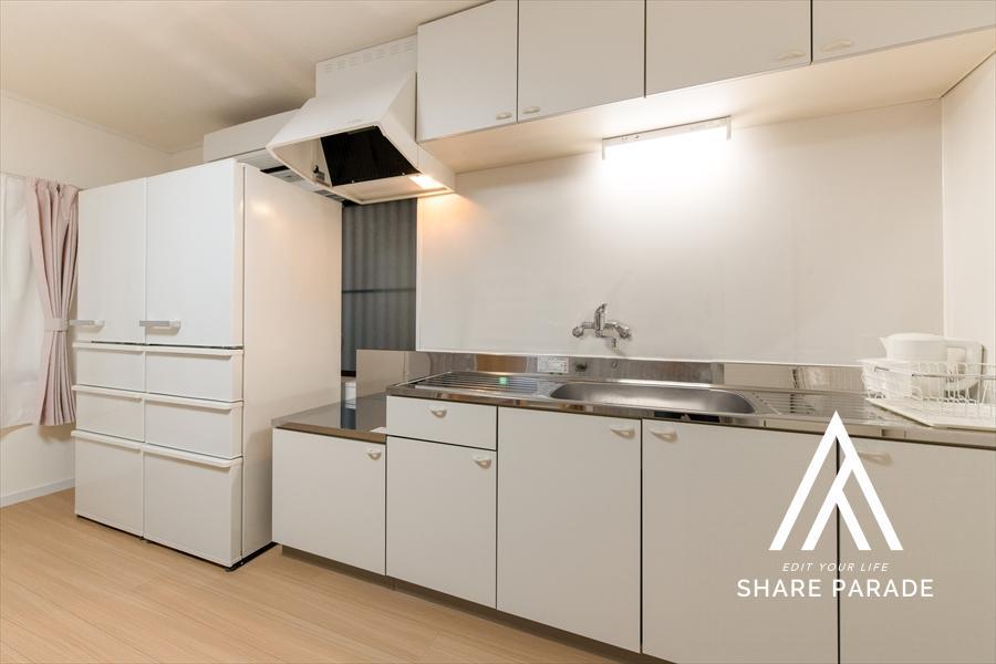 大型冷蔵庫が2台あります。