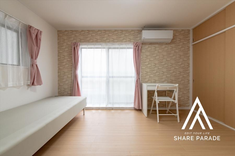 2面採光のお部屋は人気あり。