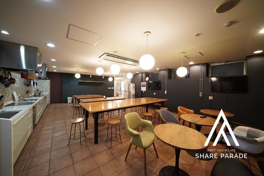 女性空間プロデザイナー監修のキッチンスペースです! 92㎡超の広々空間です!