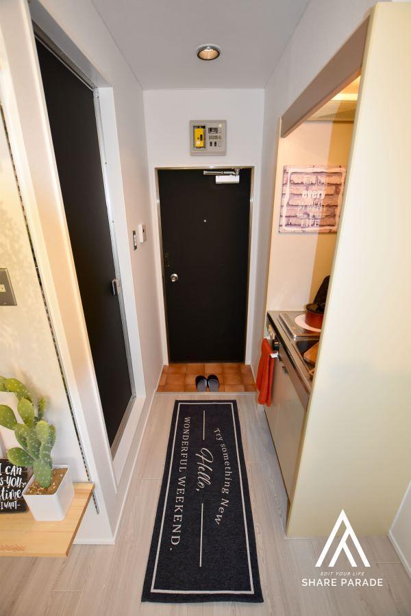 黒板塗装された扉はカッコイイ♪